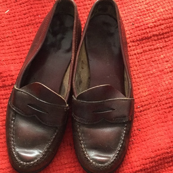 47fb5812ed4 Brooks Brothers Shoes - Brooks Brothers classic penny loafer